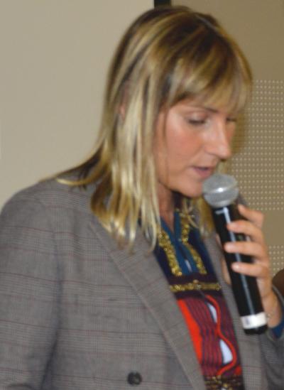 Mme Aurélie TAQUILLAIN